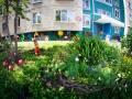 Татьяна Огородникова расписала дом яркими красками