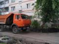 Двор на Кыштымской, 19а начали ремонтировать