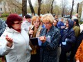 Калининцы вместе с депутатом райсовета Евгенией Глуховой обошли дворы перед субботниками